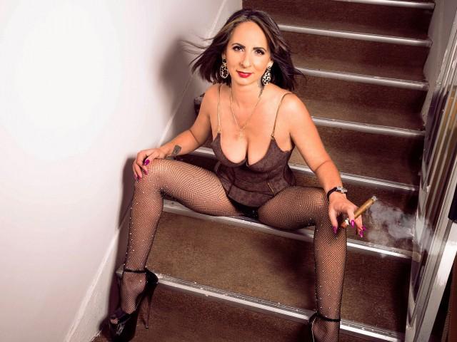 http://www.sex-latex.info/en/profile/IvoryMoon/