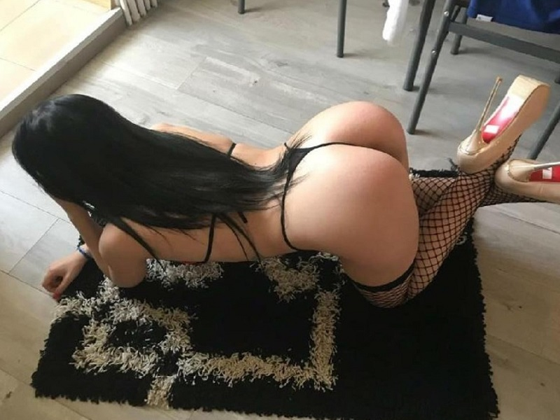 Hot and Wet Milf Pussy 4 yu