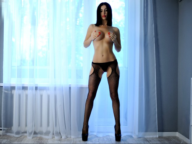 Milana4Love Top Web Cam Model