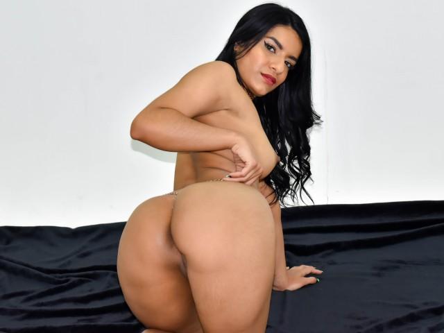 Sexy magic show MagicAnna