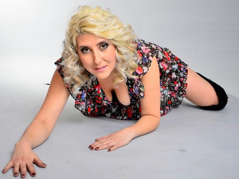 Hot blonde milf Naughty Viktoria